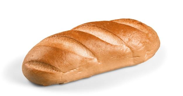 Буханка белого хлеба, изолированные на белом фоне