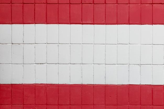 あなたのデザインの極端なクローズアップのための赤い縞模様と空白のスペースを持つ白いレンガの壁