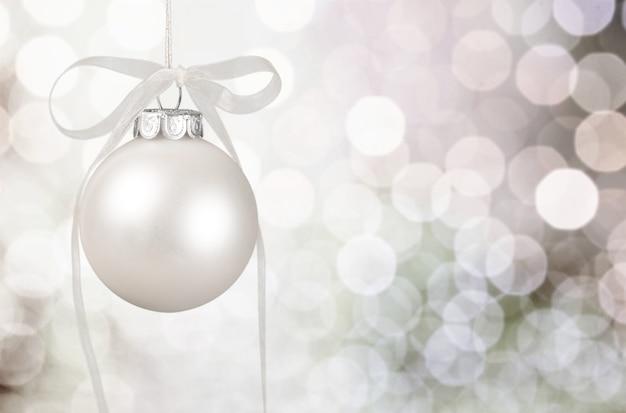 Белый рождественский бал на фоне