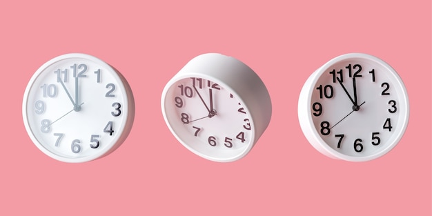 白い時計ピンク