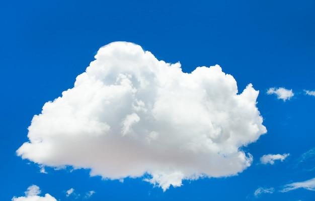 青い空と白い雲と