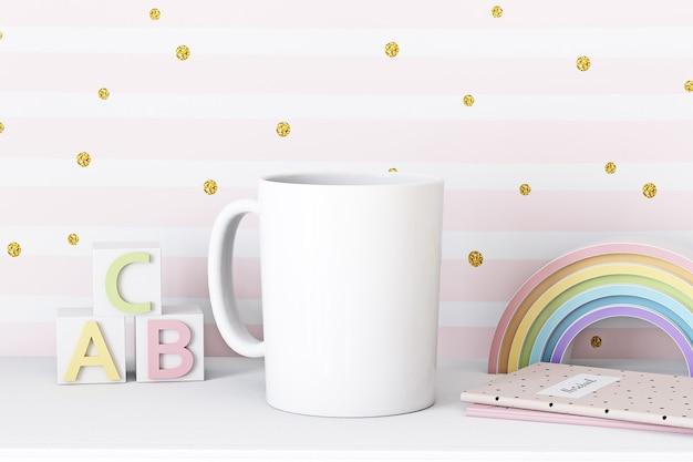 Макет белой чашки на розовом детском фоне