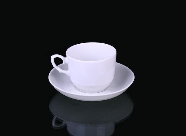 黒に白のカップ