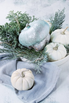 Белые декоративные тыквы