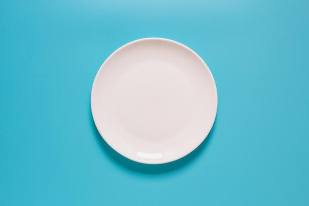 Белое блюдо