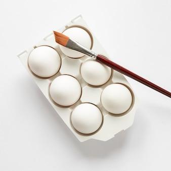 부활절 색칠 준비가 흰 계란