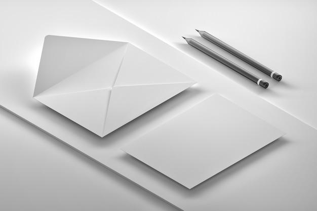 흰색 카드와 연필 흰색 봉투