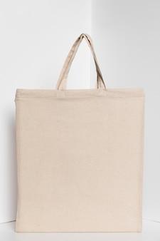 Tote bag in tessuto bianco copia spazio