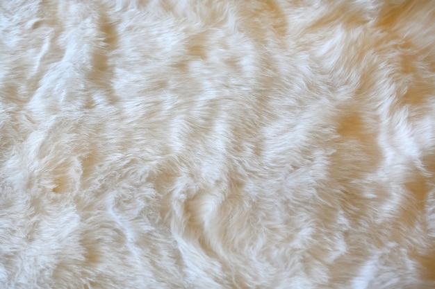 白い毛皮の背景。
