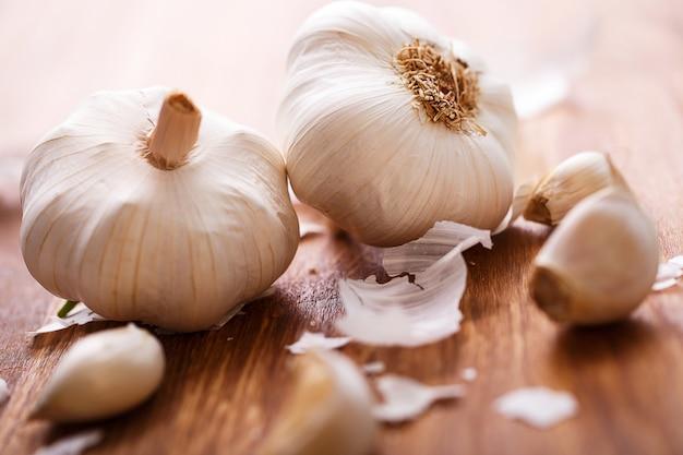 White garlic