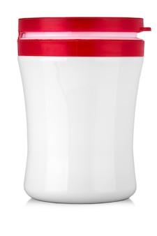 텍스트에 대한 흰색 배경에 레이블이 없는 빨간색 캡이 있는 흰색 항아리
