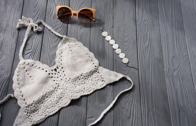 Белый вязаный топ женский трендовый двухсекционный купальник пляжные купальники модные солнцезащитные очки
