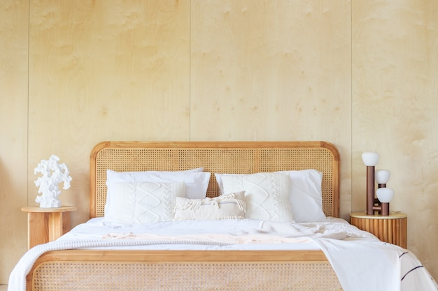 White and light wood bedroom decor