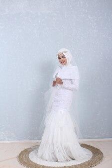 Белое мусульманское свадебное платье фото