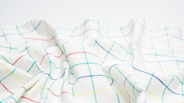 Белая салфетка, изолированные на белом фоне. скопируйте пространство.