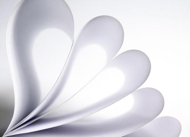 ホワイトペーパーの抽象的な背景