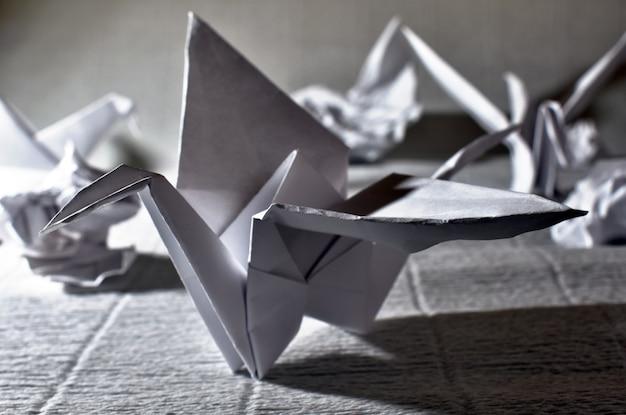 Журавлики из белой бумаги, оригами