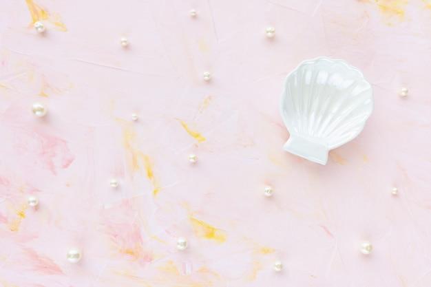 Белый жемчуг и ракушки абстрактный ювелирный фон