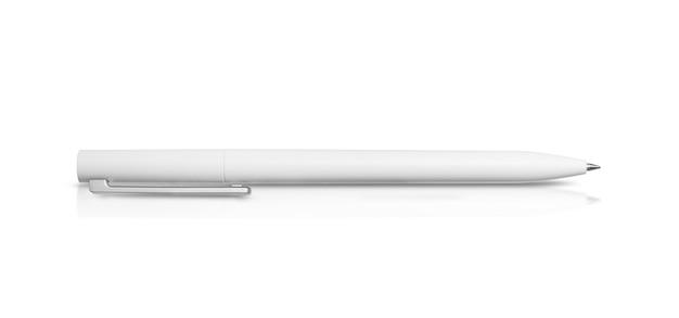 Белая ручка, изолированные на белом фоне
