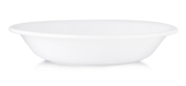 흰 접시 흰색 배경에 고립입니다.