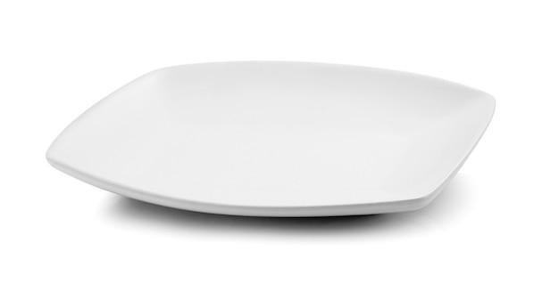 흰색 배경에 고립 된 흰색 접시