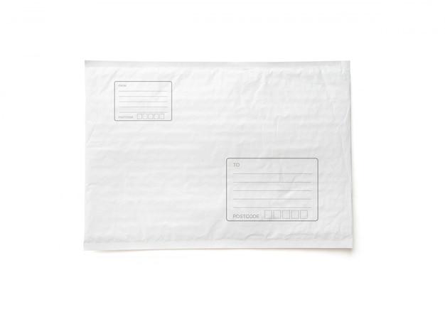 쓰기 주소 영역이있는 흰색 우편 패키지.