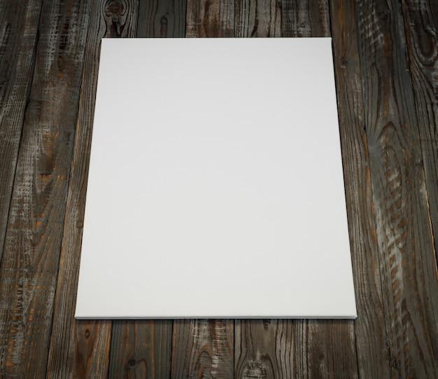 Белый плакат на деревянном фоне