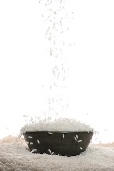 白米が落ちる。ジャスミンライス、タイライス、生ライス。