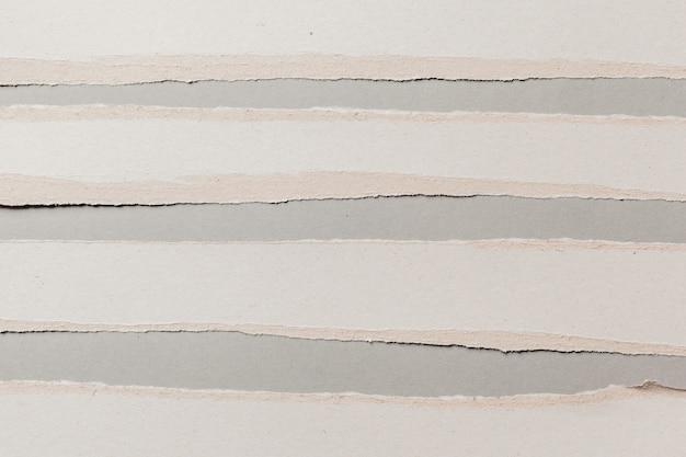 白い破れた紙