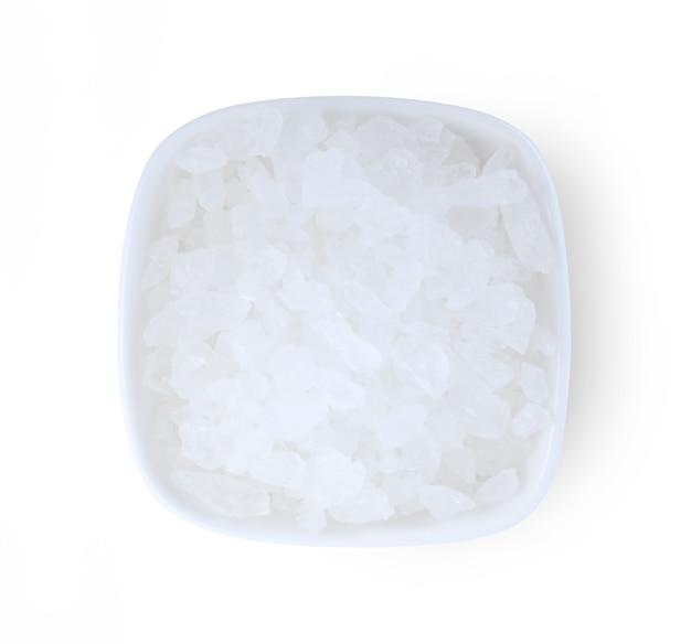 白で分離された白い氷砂糖