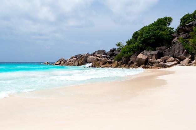 세이셸 섬에 하얀 모래 해변