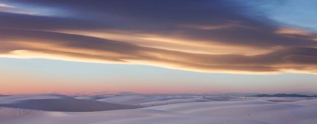 Белые песчаные дюны в нью-мексико, сша
