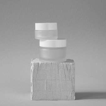 White skin care moisture recipients