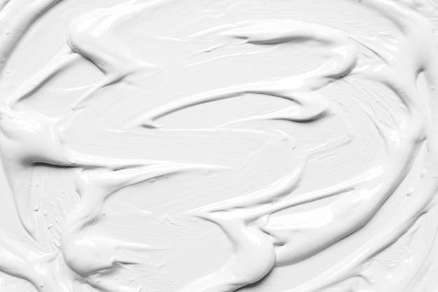 光沢のある塗料の白い汚れ