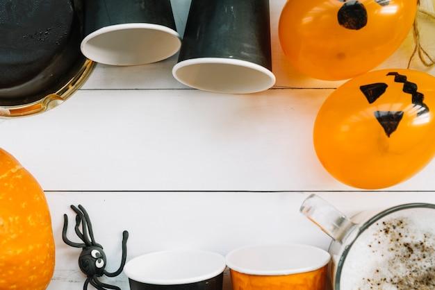 ハロウィーンのカボチャと描かれた風船に囲まれた空白