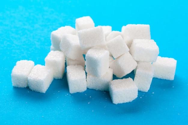 흰 설탕 큐브