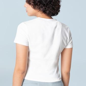 デザインスペースの女性のカジュアルアパレルリアビューの白いtシャツ