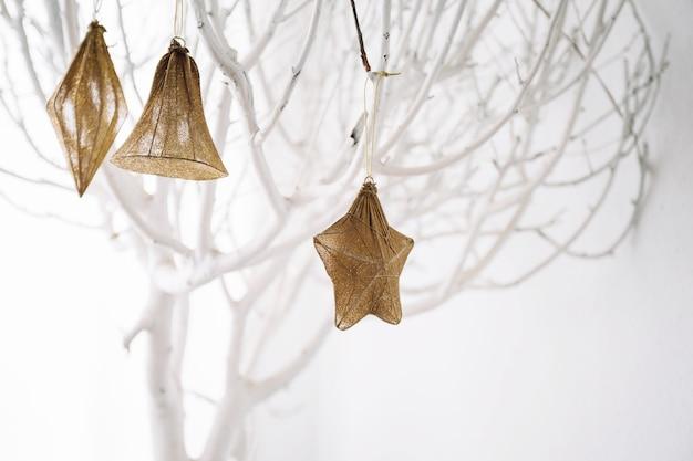 白い木の装飾