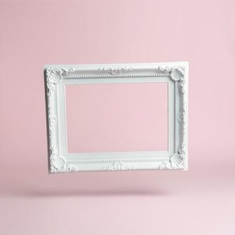 Белая винтажная рамка на розовом фоне.