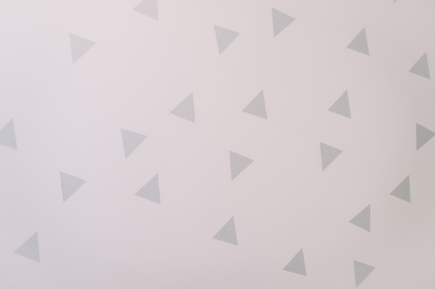 스칸디나비아 스타일의 장식이 있는 흰색 벽
