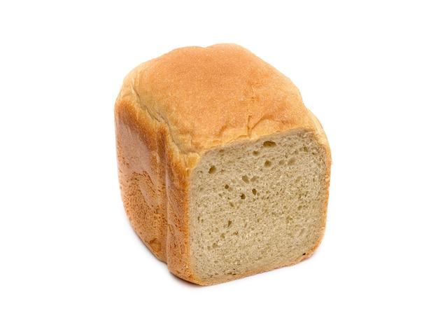 Белый пшеничный хлеб, изолированные на белом фоне
