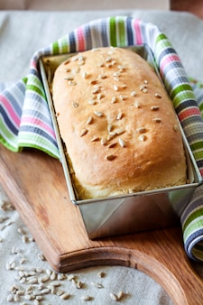 White yeast bread with sunflower seeds