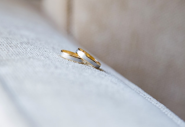 White and yellow gold wedding rings