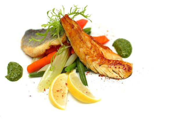 野菜と白身魚-健康的な食事の背景