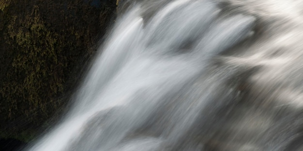 Whitewater cascade flow