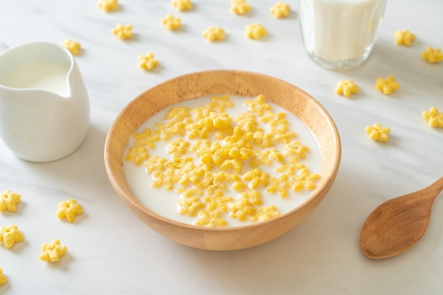 Whole grain cereals with fresh milk for breakfast