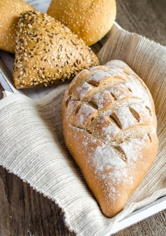 ごまと亜麻仁パンの全粒小麦パン