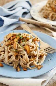きのこポルチーニと全粒小麦のタリオリーニ