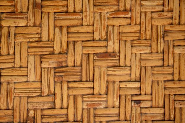 枝編み細工品の木の質感