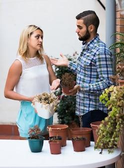 Жена в шоке от мужа и усохших растений